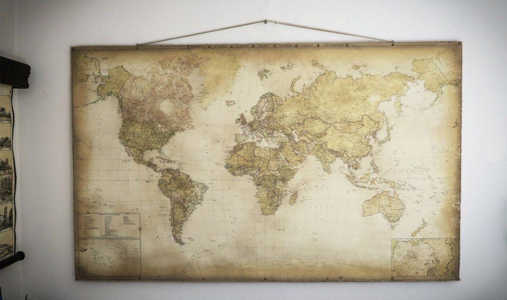Abbassa la mappa del mondo